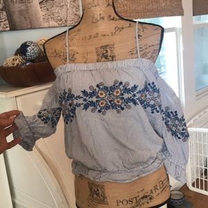 Sweet Off the shoulders top size Lrg w adj straps